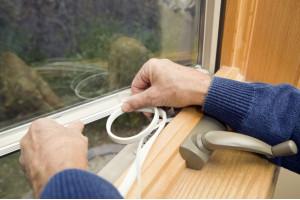 Как утеплить окна: полезные советы