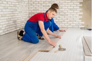 Как ремонтировать напольные покрытия