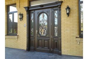 Выбираем дверь для надежной защиты дома