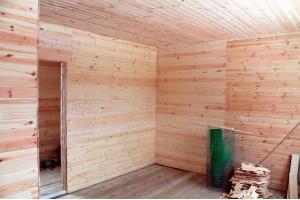 Как обшить стену деревянной вагонкой по каркасу